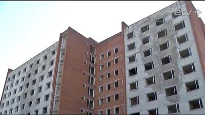 В Кохтла-Ярве нашли средства на снос заброшенного здания бывшего общежития