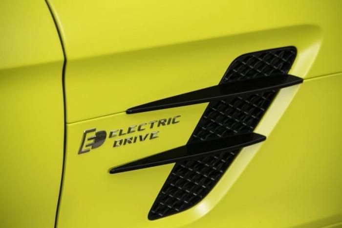 Редчайший электросуперкар Mercedes-Benz SLS хотят продать за миллион евро