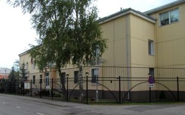Генконсульство РФ в Нарве пожаловалось на мешающие проезду автомобили