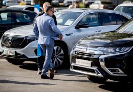 Продажи автомобилей в Китае рухнули на 92% из-за коронавируса
