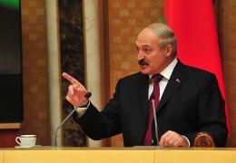 Лукашенко намерен обсудить вопрос о создании российской военной базы с Путиным