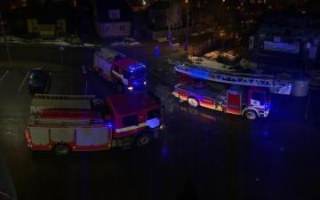 "ВИДЕО: за нарвским торговым центром ""Астри"" горел еще один дом"
