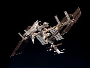 Россия свернет сотрудничество по космосу и атому с западными странами