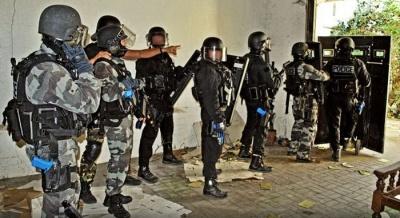 Щит полицейского, участвовавшего в штурме клуба Bataclan