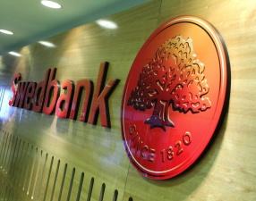 Swedbank резко повышает стоимость услуг