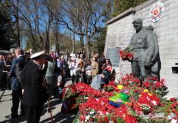 Мэр Таллинна Михаил Кылварт призвал горожан 9 мая остаться дома