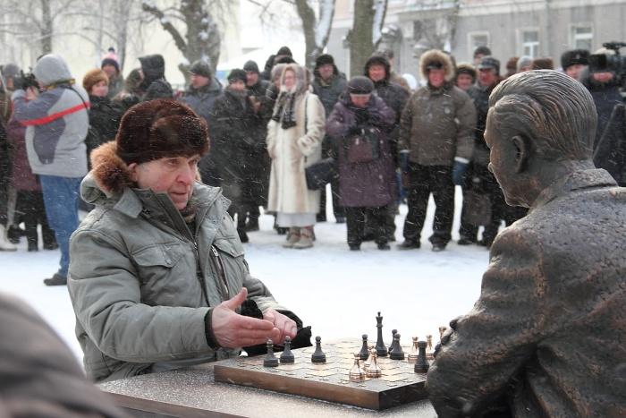 С Паулем Кересом теперь можно сыграть воображаемую партию