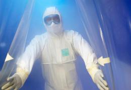 Глава ВОЗ констатировал снижение заболеваемости COVID-19 в мире
