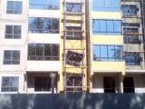 Дом со странным окном в Барнауле стал жилым