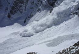 На YouTube попало ВИДЕО схода страшной лавины, унесшей жизни 4 человек