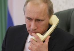 Путин по телефону пообещал Эрдогану вернуть российских туристов в Турцию
