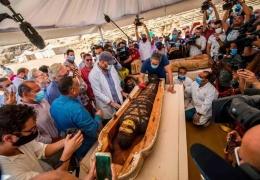 Археологи открыли древние египетские гробницы и нашли 50 мумий с удаленным у них мозгом