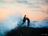 Как гигантская волна вклинилась в предложение руки и сердца