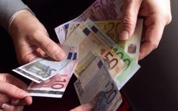 Банк Эстонии порекомендовал носить при себе наличные после сбоя в работе платежных терминалов