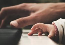 В Нарве педагоги музыкальных школ заподозрили власти в обмане