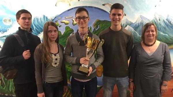 Команда Нарвской Пяхклимяэской гимназии победила в соревнованиях по математике