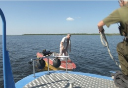Нарвские пограничники разъясняют отдыхающим правила безопасности на воде