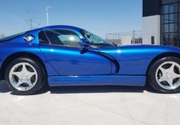 Как с завода! Dodge Viper GTS 1996 года с минимальным пробегом