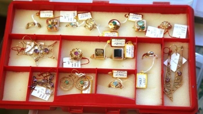 Из ювелирного магазина в Нарве украли украшений на сумму около 200 000 евро