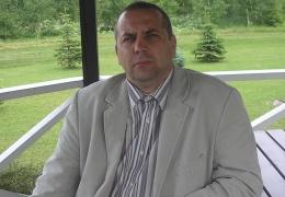 Депутат раскритиковал увольнение директора Кивиылиской школы и лишился места в IVOL