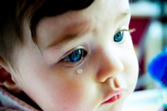 Грозит 15 лет тюрьмы: нарвитянин обвиняется в попытке убийства своего полуторагодовалого сына
