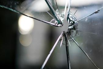 В Нарве задержали стрелка по окнам