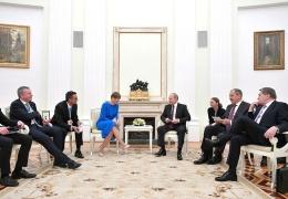 Кальюлайд пригласила Путина посетить Эстонию