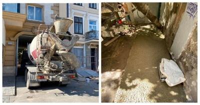 Разборки по-одесски: жители залили бетоном подвал депутата