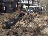 В Курске ветерана оштрафовали на 572 000 рублей из-за рухнувшей на машины стены