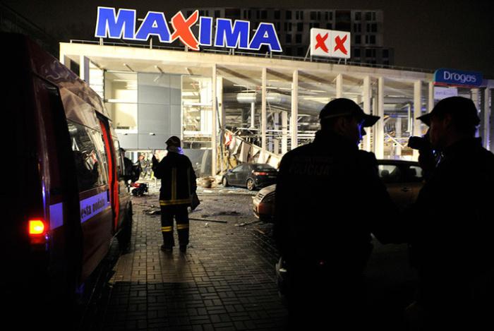 В Риге при обрушении крыши супермаркета Maxima погибло 32 человека