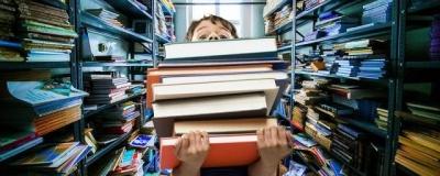 В школах России собираются отказаться от бумажных учебников к 2020 году
