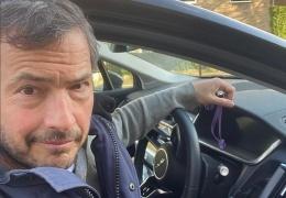 У британского телеведущего угнали Ягуар: второй раз за три месяца