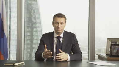 Навальный подает в суд на пресс-секретаря Путина за обвинение в связях с ЦРУ, напомнив о связях семьи чиновника с заграницей