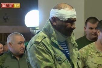 Тяжелораненый министр ДНР приехал на похороны Захарченко