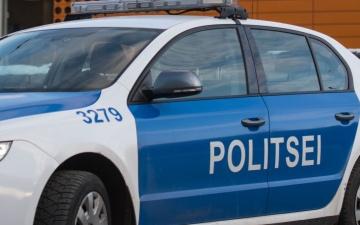 Посетитель увеселительного заведения в Йыхви ранил 45-летнего мужчину и укусил полицейского