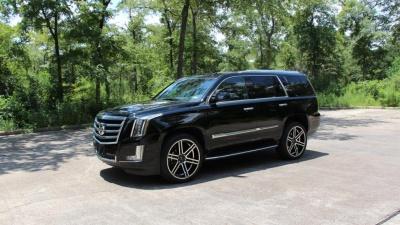 Во время тест-драйва автомобилист разбил новый Cadillac Escalade стоимостью 97 000 долларов