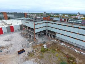 Видео: Снос старых цехов завода Балтиец