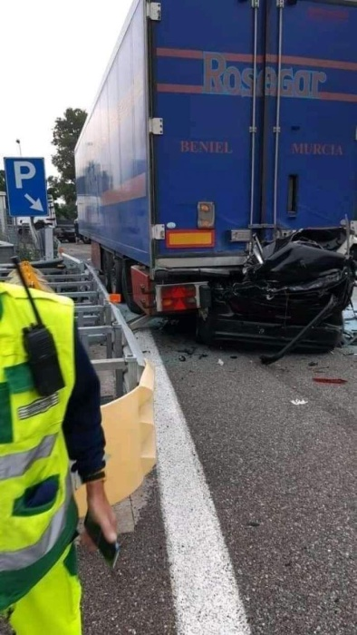 Последствия столкновения с фурой на скорости 260 км/ч в Италии