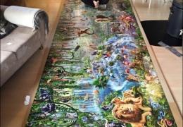 Девушка собрала самый большой в мире пазл
