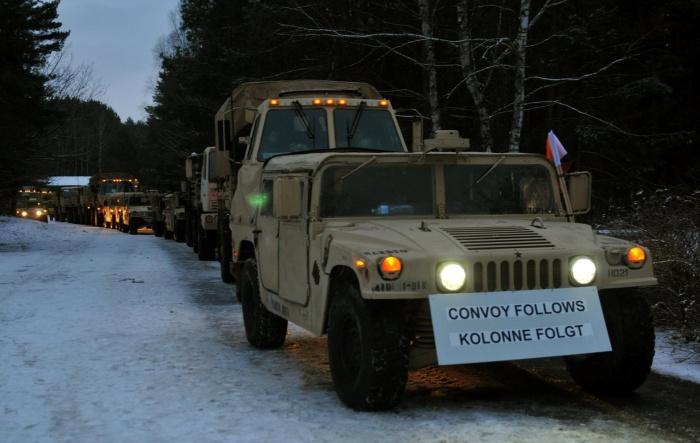 в Польшу прибыли колонны американских войск