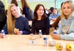 Вместо обеда — продуктовый набор: почему и станет ли питание в нарвских школах лучше?
