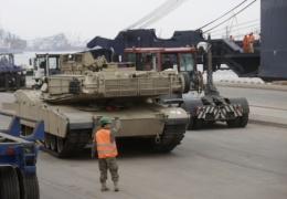 Операция Atlantic Resolve: США начали переброску техники и 3 тысяч военных в Прибалтику