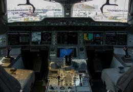 Как подстаканники вызвали остановку двигателей Airbus А350 в воздухе