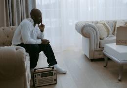 Проживающий в Эстонии рэпер-беженец Hizy Stone выпустил второй клип
