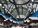 Удивительные декорации на показе мод от Chanel