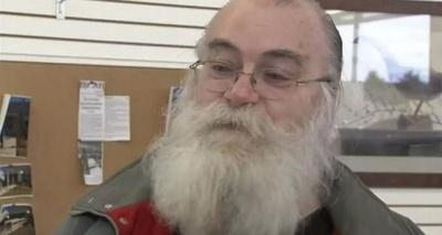Мужчина из Мичигана купил подержанный диван с очень дорогим сюрпризом
