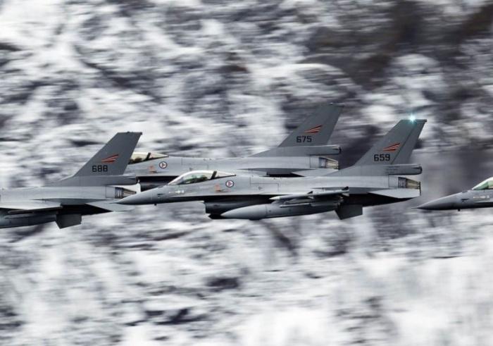 Интересные кадры: военные самолеты зимой