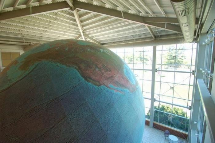 Эрта - самый большой в мире вращающийся глобус