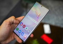 Потребители США экономят на покупках дорогих смартфонов