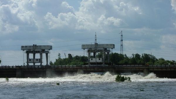 На плотине Нарвского водохранилища 18 июля в 12:00 откроют шлюзы